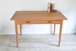 Desk (Arch Type)