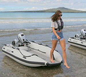 stable-inflatable-boat-easy-boarding.jpg
