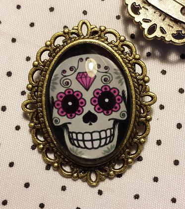 Broche camée Violet Skull