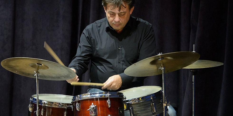 Spike's Place at The Jazz Centre UK: CLARK TRACEY QUINTET