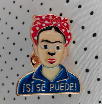 "Pins ""ISI SE PUEDE"""