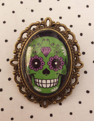 "Broche camée ""Green Skull"""