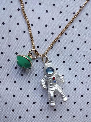 Collier cosmonaute