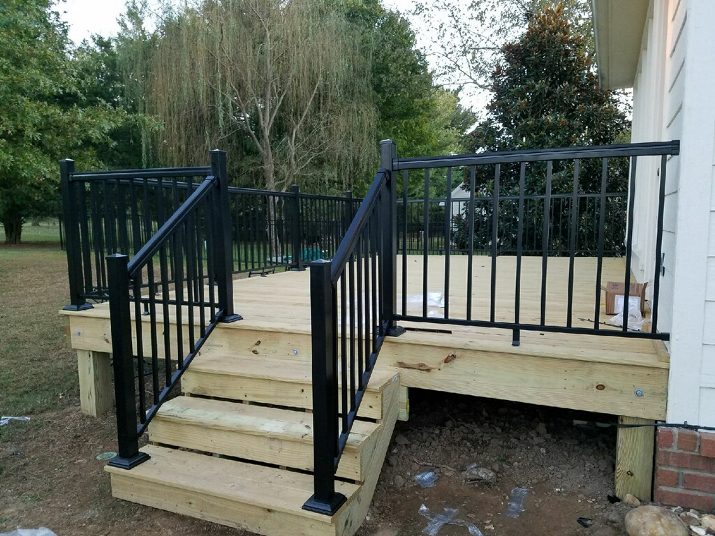Deck With Aluminum Handrails