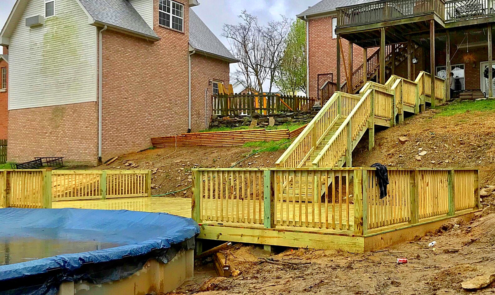 Custom Pool Deck With Walkway