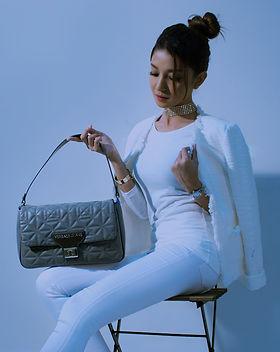 handbags-2251086_1920.jpg
