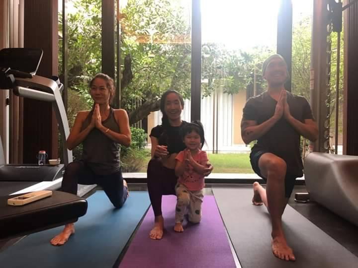 Birdofyoga_Yoga_Teacher_Kru_Aoy_09.jpg
