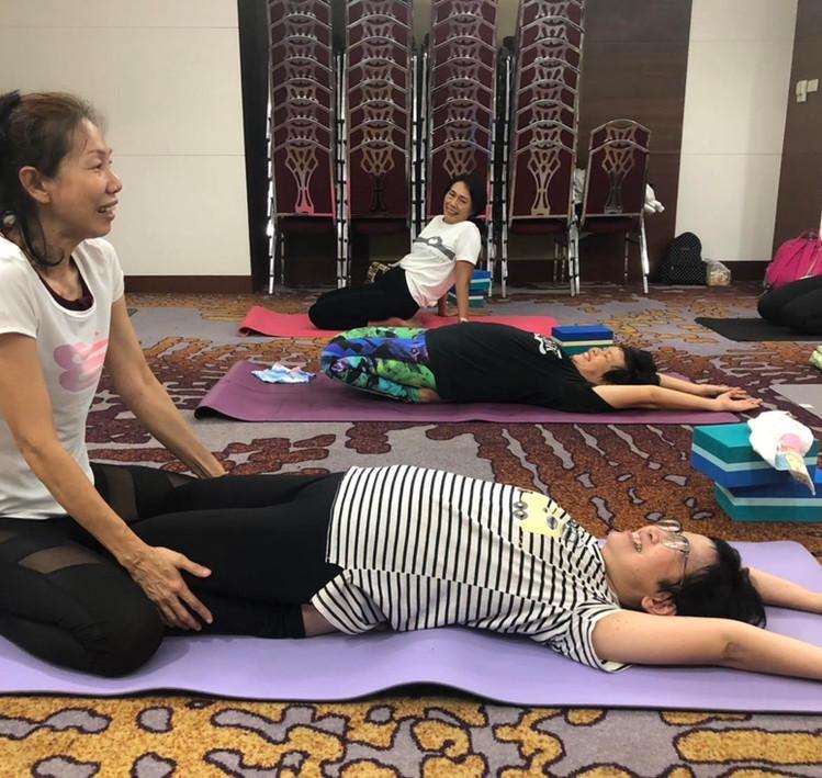 BirdofYoga_Yoga_Teacher_Kru_Nut_01.jpg