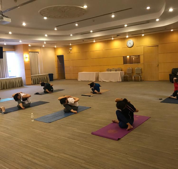 BirdofYoga_Yoga_Teacher_Kru_Nut_07.jpg