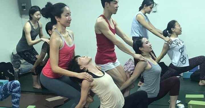 Birdofyoga_Yoga_Teacher_Kru_Aoy_12.jpg