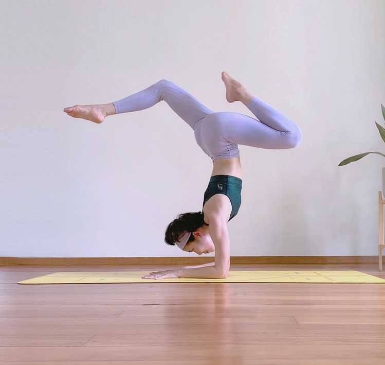 Bird_of_yoga_teacher_team_Kru_Praew_06.j