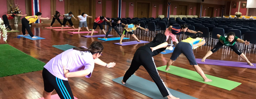 Birdofyoga_Team_Yoga_Teacher_Kru_Kwang_1
