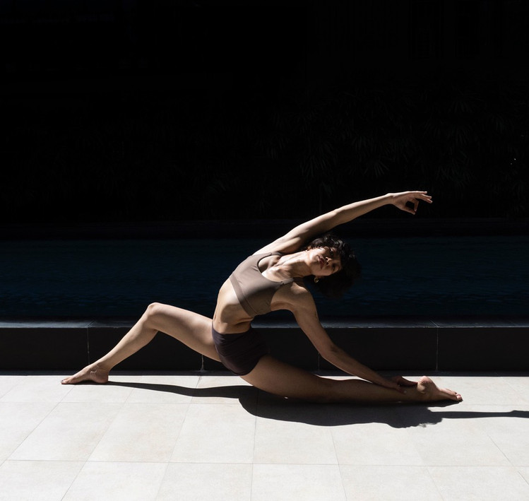 Bird_of_yoga_teacher_team_Kru_Praew_04.j