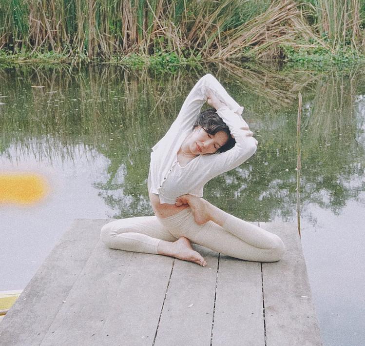 Bird_of_yoga_teacher_team_Kru_Praew_05.j