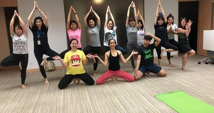 Birdofyoga_Yoga_Teacher_Kru_Aoy_08.jpg