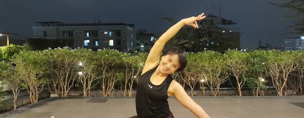 Kru_pump_bird_of_yoga_10.jpg