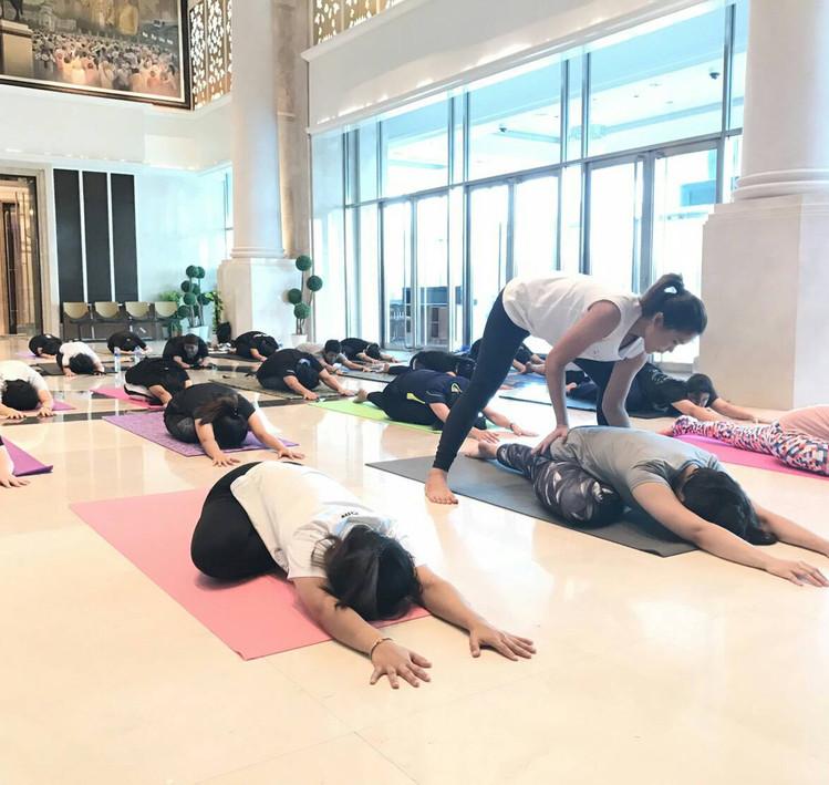 Birdofyoga_Yoga_Teacher_Team_Kru_Peach_0