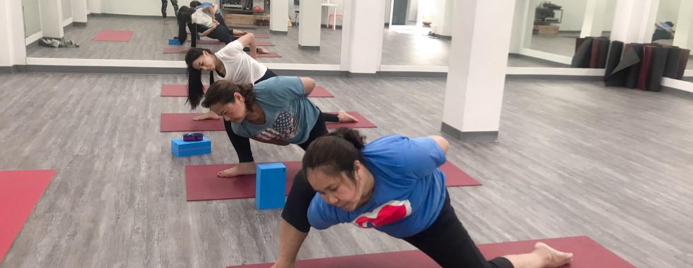 Birdofyoga_Team_Yoga_Teacher_Kru_Kwang_0