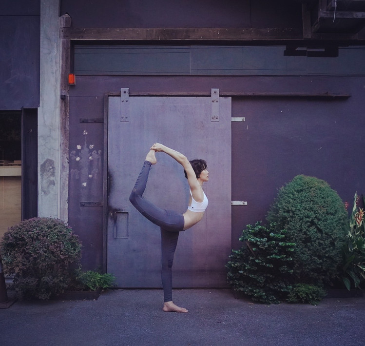 Bird_of_yoga_teacher_team_Kru_Praew_07.j