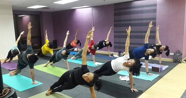 Birdofyoga_Yoga_Teacher_Kru_Aoy_10.jpg