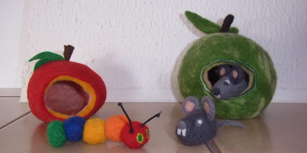 """Ausgebucht! Thema: Trockenfilzen/Nassfilzen """"Apfelhöhle mit Maus oder Raupe"""""""