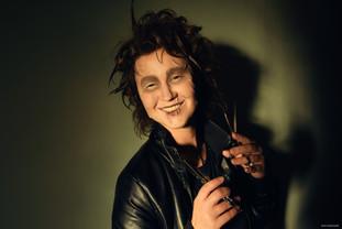 Ксюша в образе Эдварда Руки-Ножницы