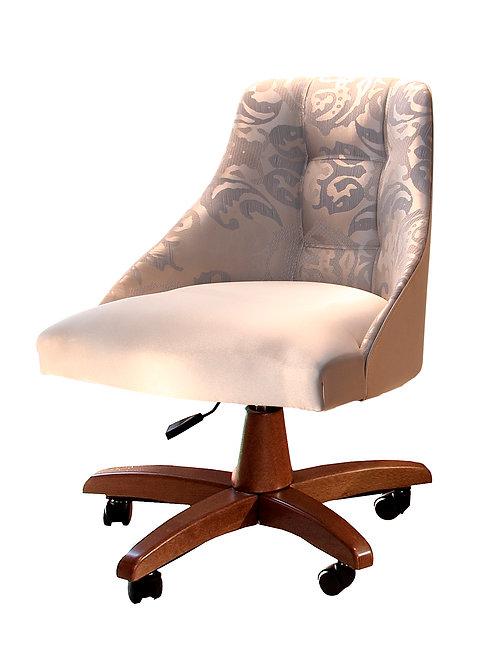 Cadeira baixa com rodízio