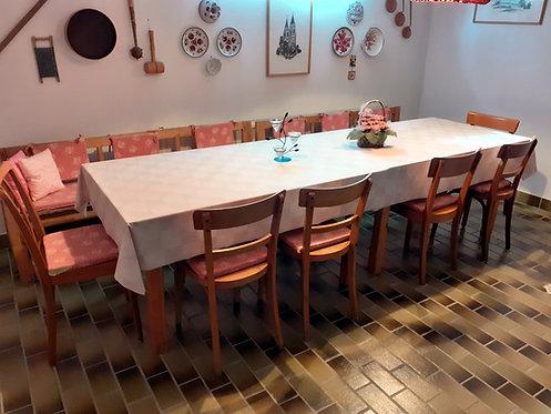 HO20 2 Tische, 2 Bänke, 6 Sessel