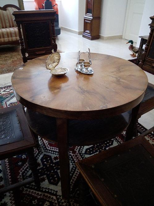 A34 - Tisch mit Unterfach