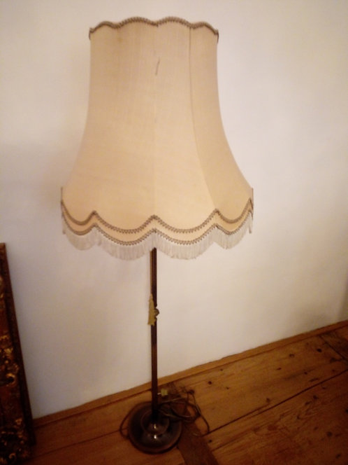 A96 - Stehlampe