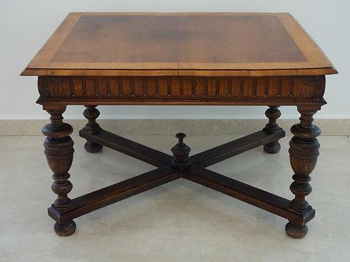 A126 - Tisch