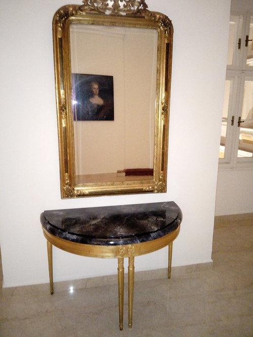 A117 - Tisch mit Spiegel