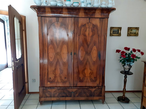 HO04 Hallenschrank Holz Massiv