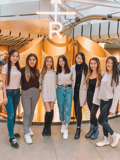 A LATTE LOVE: Sisters at the Chicago Starbucks Reserve Roastery  Whitney Chuong, Mulan Lin, Rachael Ku, Esther Lee, Angela Wu, Lily Yu, and Kelly Liang