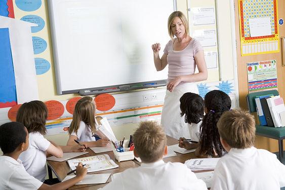 aula con studenti.jpg