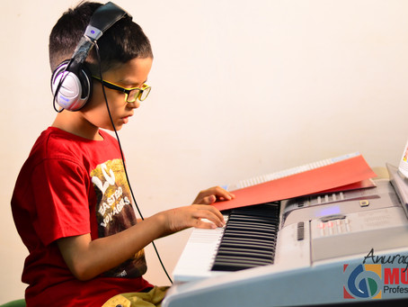 HOW MUSIC MAKES KIDS SMARTER