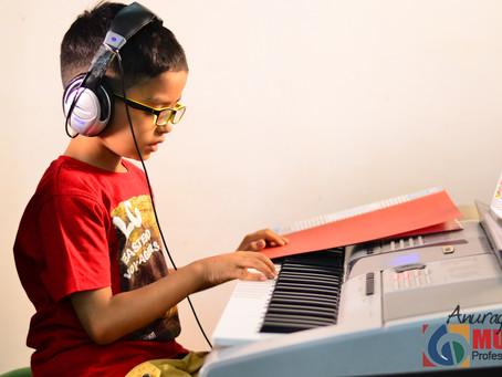 HOW MUSIC MAKES KIDS SMARTER