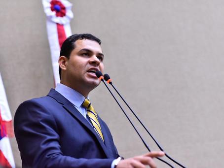 """""""Quem votou a favor desta matéria,votou a favor dos trabalhadores"""", diz Saullo sobre terceirização"""