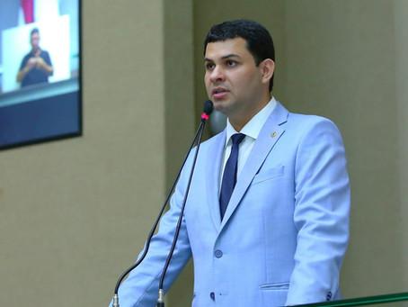 Saullo Vianna questiona ações da prefeitura de Boa Vista do Ramos durante pandemia