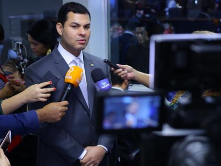 """""""Problema da água em Parintins precisa ser solucionado"""", diz Saullo Vianna"""