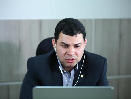 Saullo Vianna defende retorno das sessões plenárias presenciais na Aleam