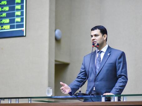 Governo atende pedido de deputado e antecipa primeira parcela do 13º salário
