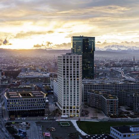 Aussicht-Zuerich-West-Sheraton-Building-