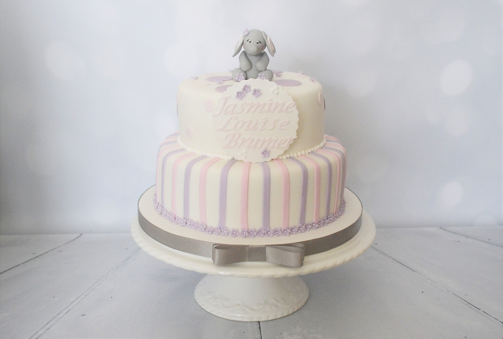 Baby Shower/ Name Reveal Cake in Pink and Purple
