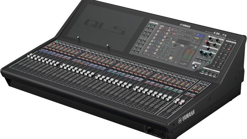 Yamaha QL5  Digital Mixing Console Ex- Demo