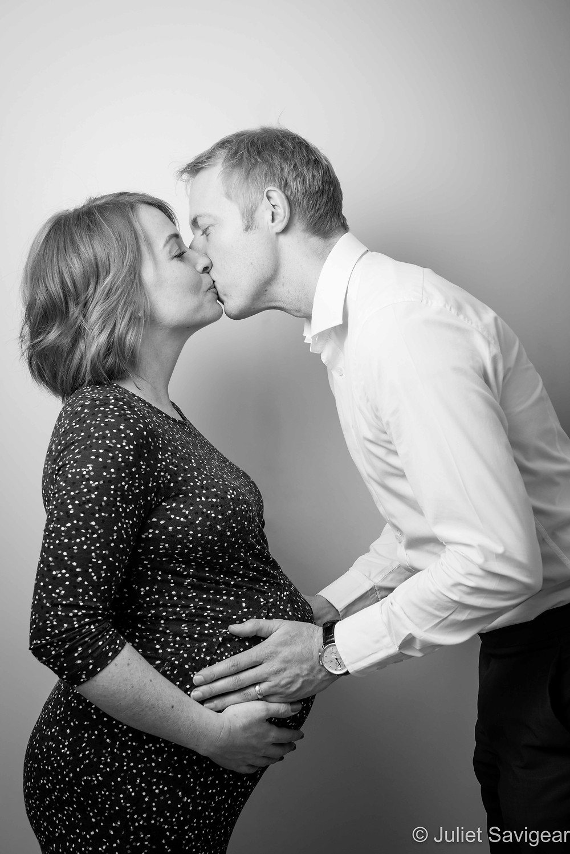 Kiss - Maternity Photography, Earlsfield
