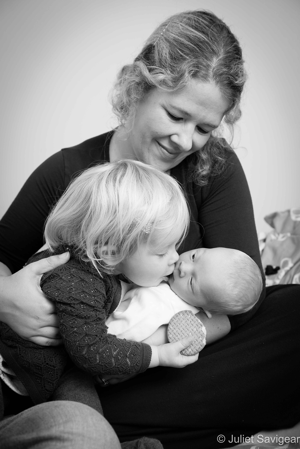 Kisses For Brother - Newborn Baby & Family Photography, Wimbledon