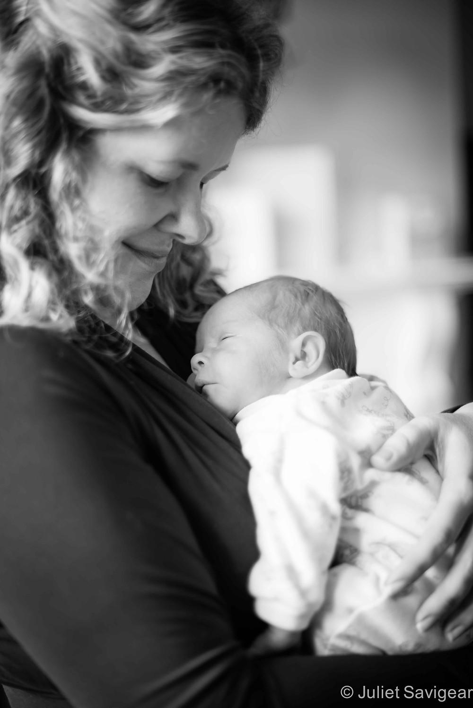 Mummy & baby - Newborn Baby Photographer, Wimbledon