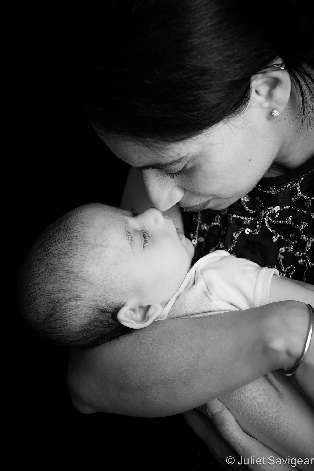 Nose To Nose - Baby & Family Photography, Croydon