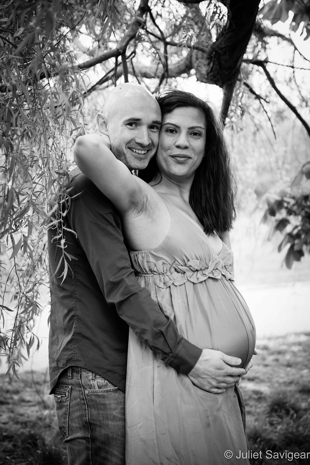 Under The Willow Tree - Maternity Photography, Tooting Common